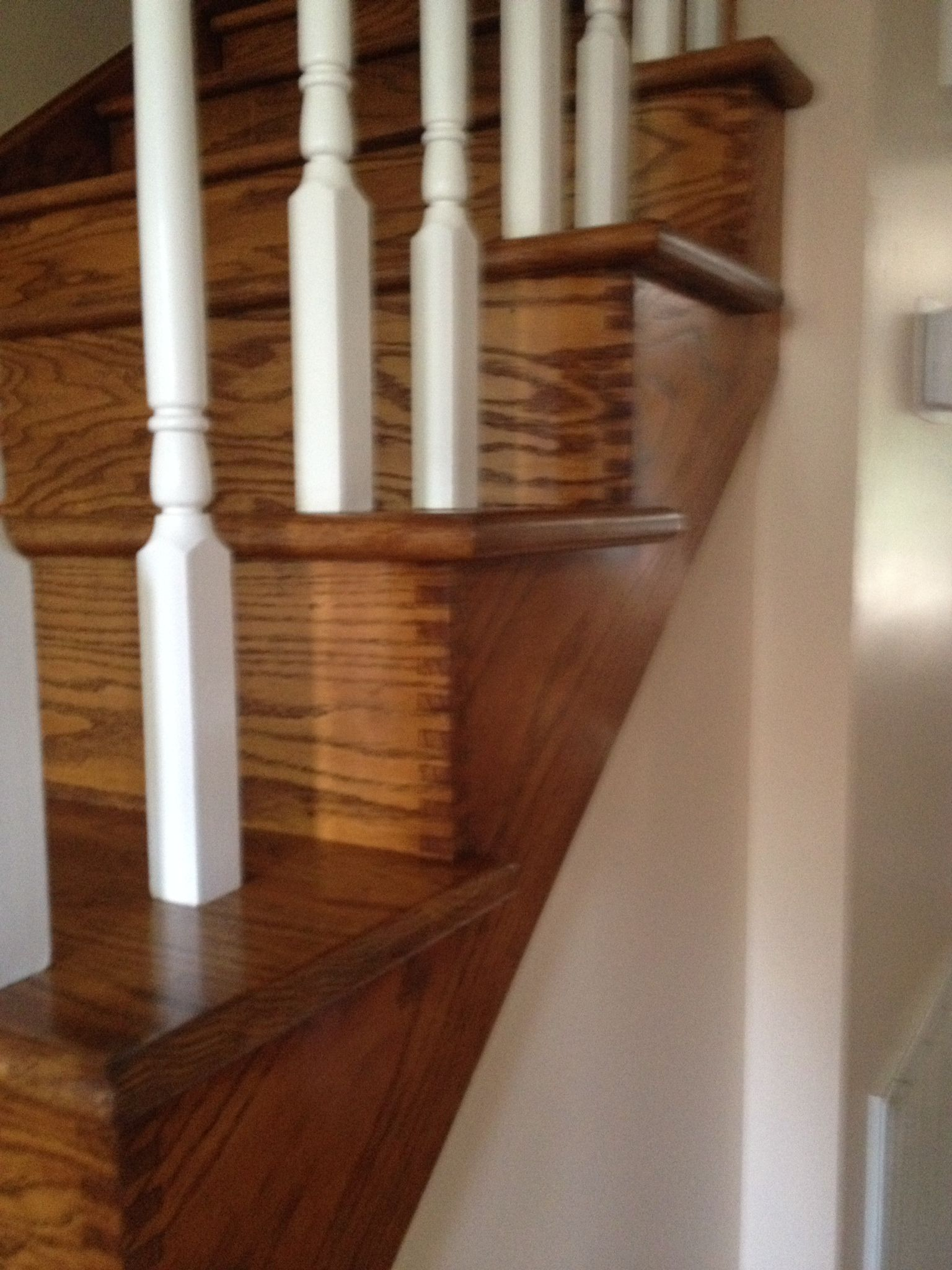 Solid Red Oak Box Joint Oak Skirt Board And Solid Red Oak Riser With Solid  Red