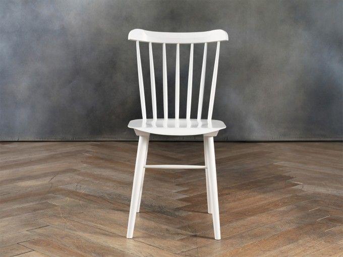 Sedie gialle ~ Ironica sedia bianca e shop cargo sedie