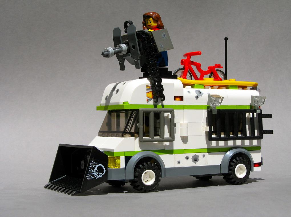 Zombie Lego Motor home 1