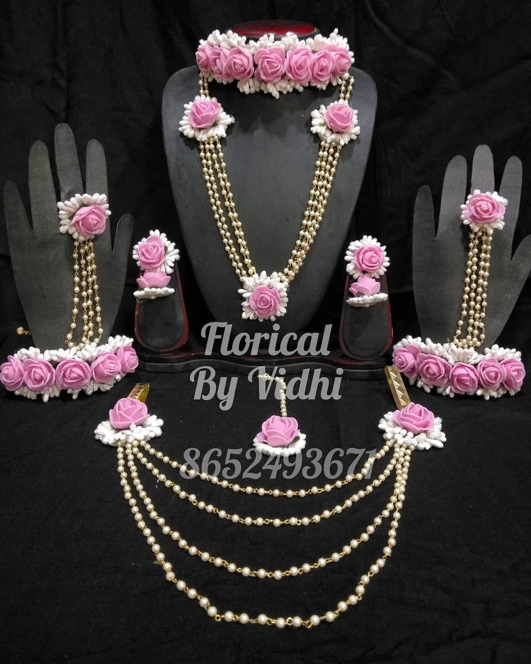 Artificial Flower Jewellery Customized For Our Mom To Be On Her Baby Shower Floricalbyvidhi Flowerjewellery Artificialflowers Artifici Boncuk Nakis Taki