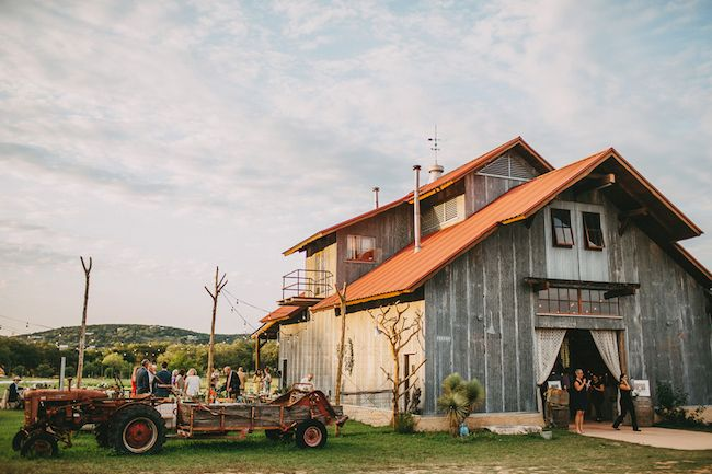 Gorgeously Organic Texas Hill Country Barn Wedding ...