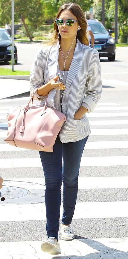f7c2b362ef305 Jessica Alba's Chic Street Style | Outfit Inspirations | Jessica ...