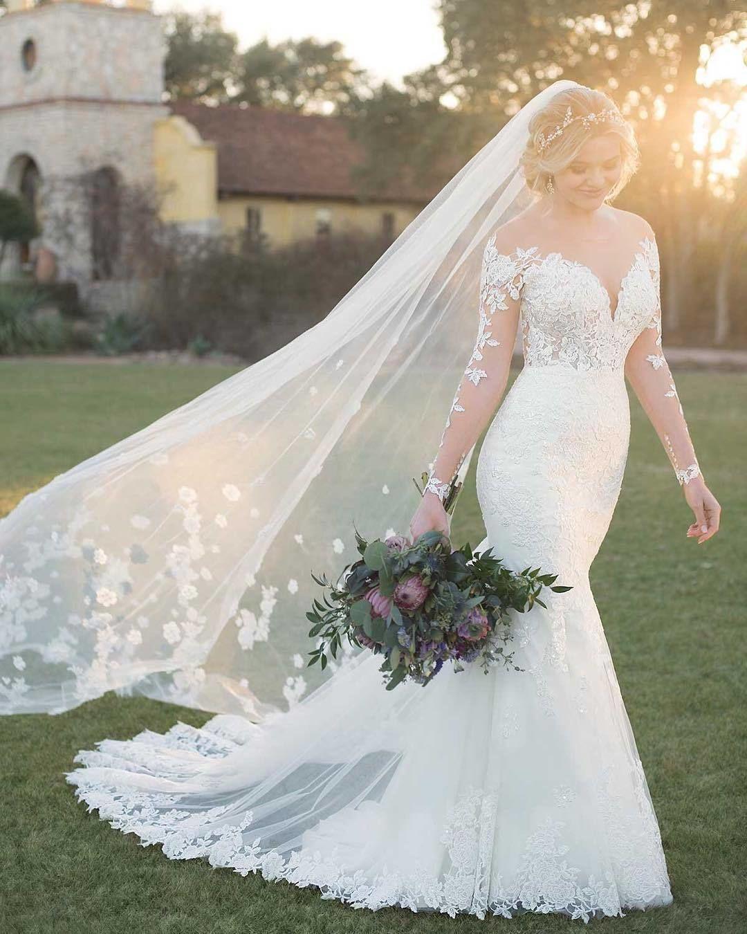"""Galería de vestidos de novia en Instagram: """"¡Este velo es caprichoso y para morirse!  😍 ¿Quién quiere algo como esto para su gran día?  ¡Toca, toca!  🙋.  .  Vestido de @essenseofaustralia.… """"  – Boda"""