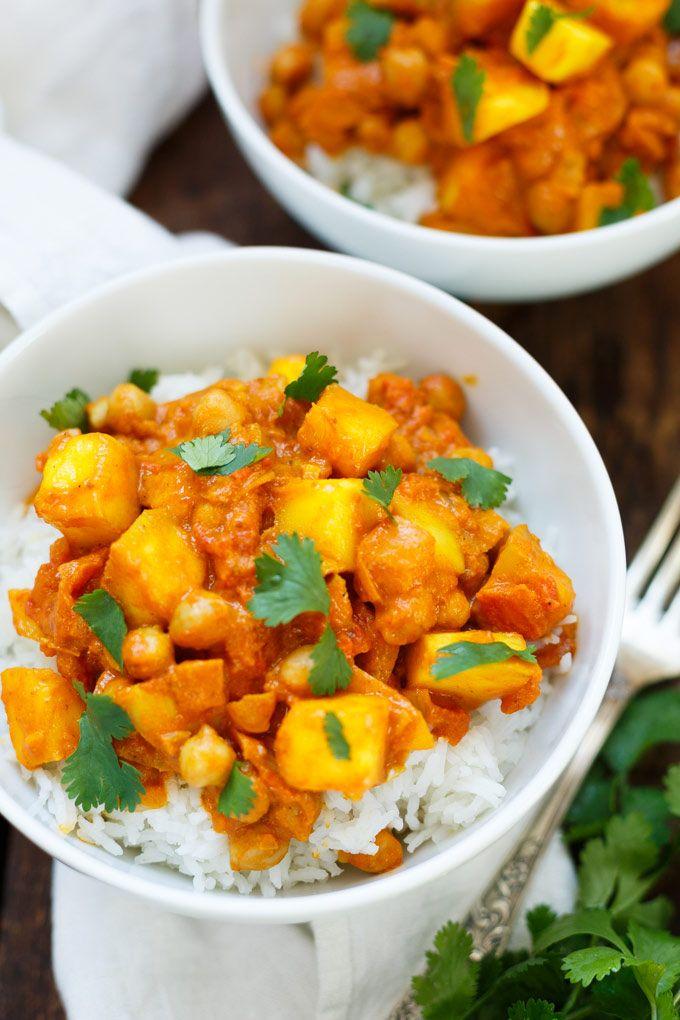 Mango-Kokos-Curry mit Kichererbsen - Kochkarussell #thaifoodrecipes