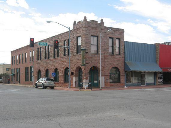 Old Bank Building In Duncan Ok Oklahoma Duncan Oklahoma Banks Building House Styles