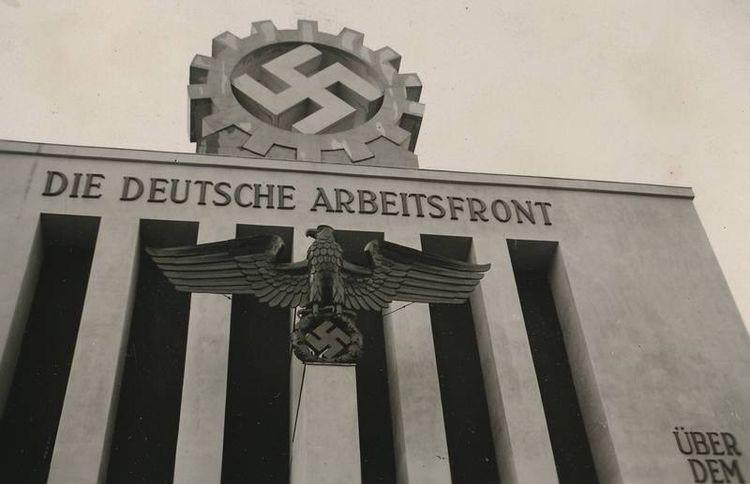 Pin su A Window Into The Reich