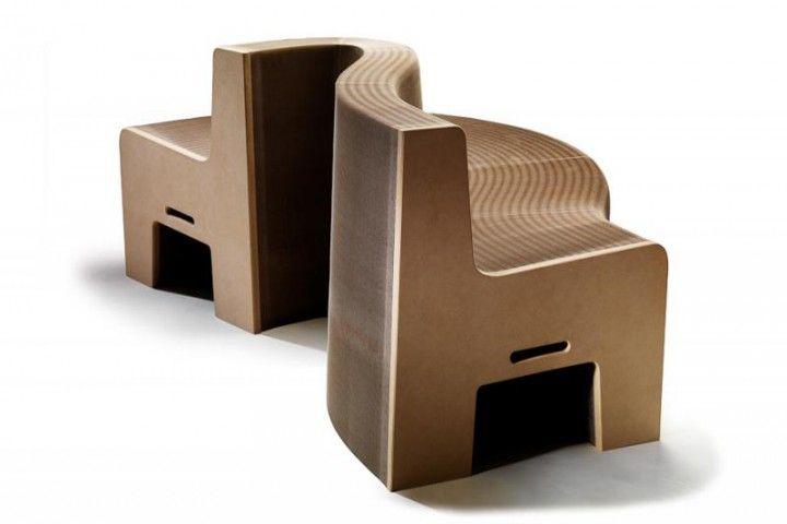 FlexibleLove Earth 16 - Bis zu 16 Nutzer erfahren auf diesem maximal 720 cm langen Naturmöbel mit einer Sitzhöhe von 39 cm hautnah, wie wohltuend die richtige Erdung ist. FL-Earth 16 zeigt sich natürlich begehrenswert: ökologisch wertvoll, atemberaubend flexibel und unwiderstehlich schön.