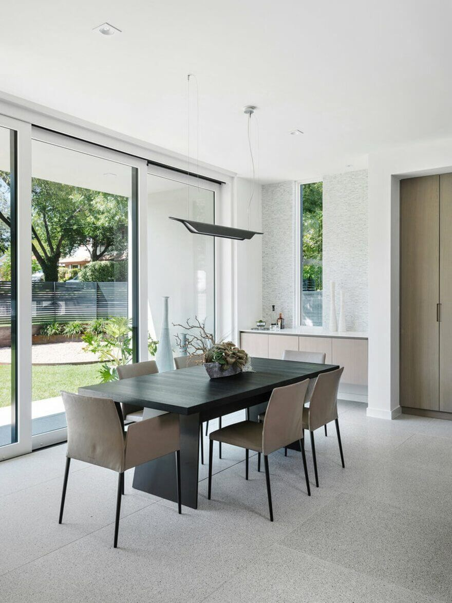 In texas there is  beautiful house named as and it designed also brutalist the front modernist back modern interior rh pinterest