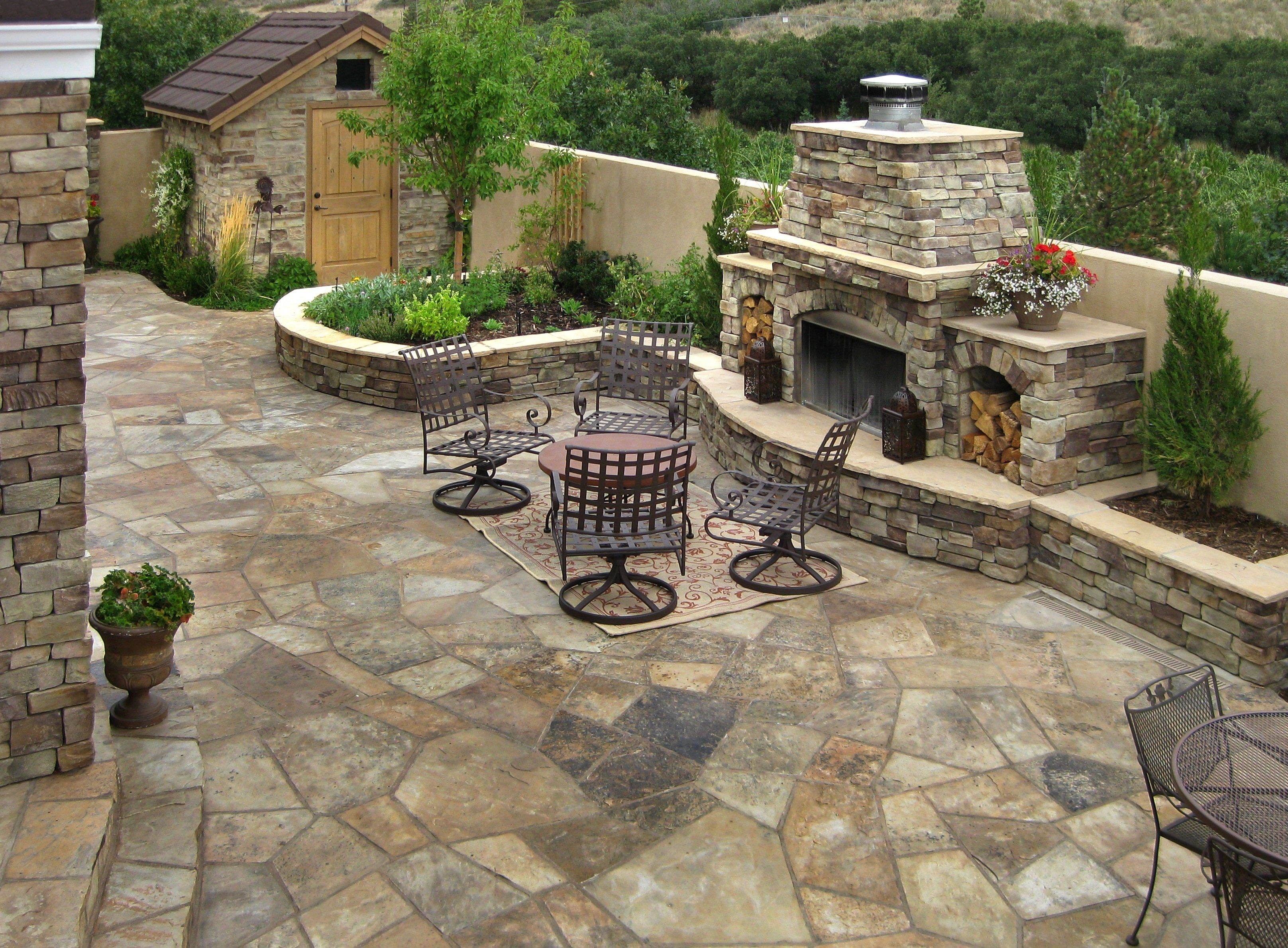 Outdoor Living Spaces Accent Landscapes Inc For Flagstone Patio Diy Flagstone Patio Diy Tips And Ideas With Images Patio Stones Backyard Patio Flagstone Patio