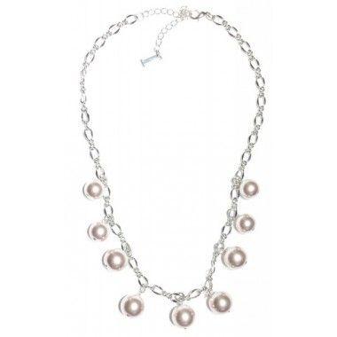 Ibero Classic Collection pearls. Classic style to go in every occasion!  Iberon Classic- malliston helmet. Nämä klassikot sopivat asuun kuin asuun!  Kaulakoru, lyhyt - Ibero Boutique