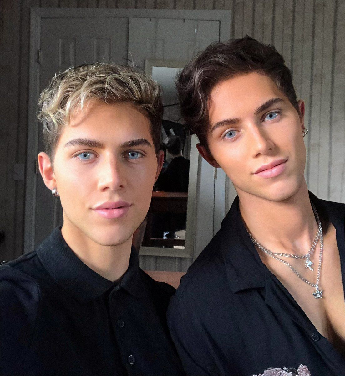 The Coyle Twins - MYFOLLOWS