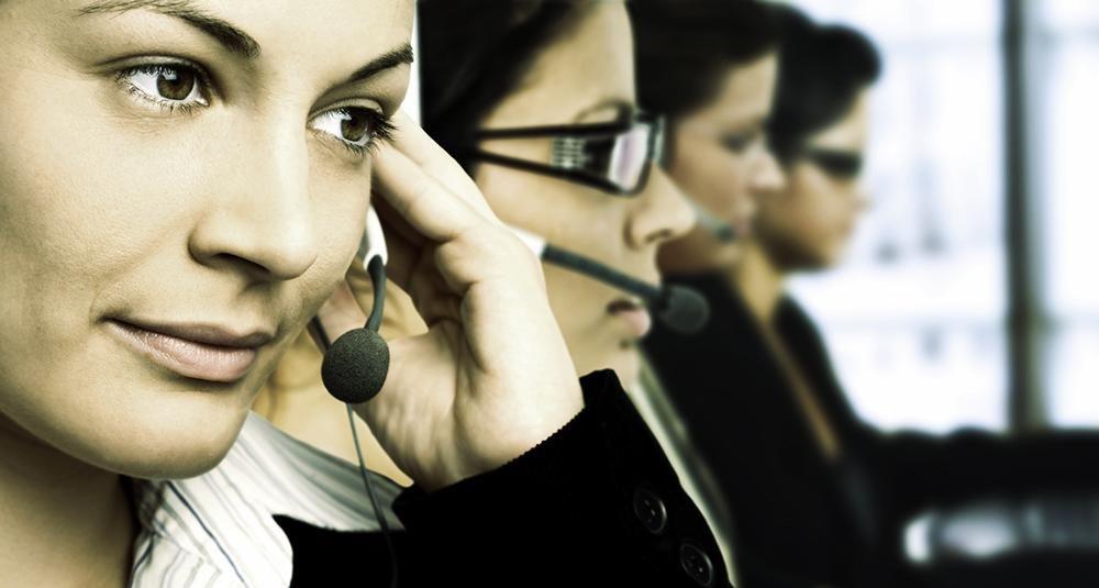 Hankala asiakas – asiakaspalvelu hallussa? Näillä eväillä onnistut, kun linjoilla on tavalla tai toisella hankala asiakas. Lataa selviytymisopas haastaviin asiakaspalvelutilanteisiin.