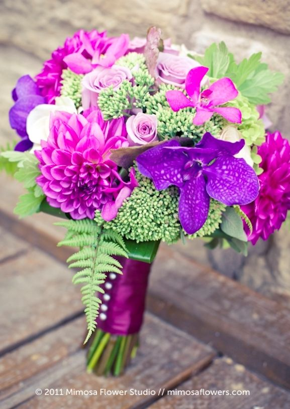 wedding theme ideas_elegnat purple and fuchsia bouquet | secret ...
