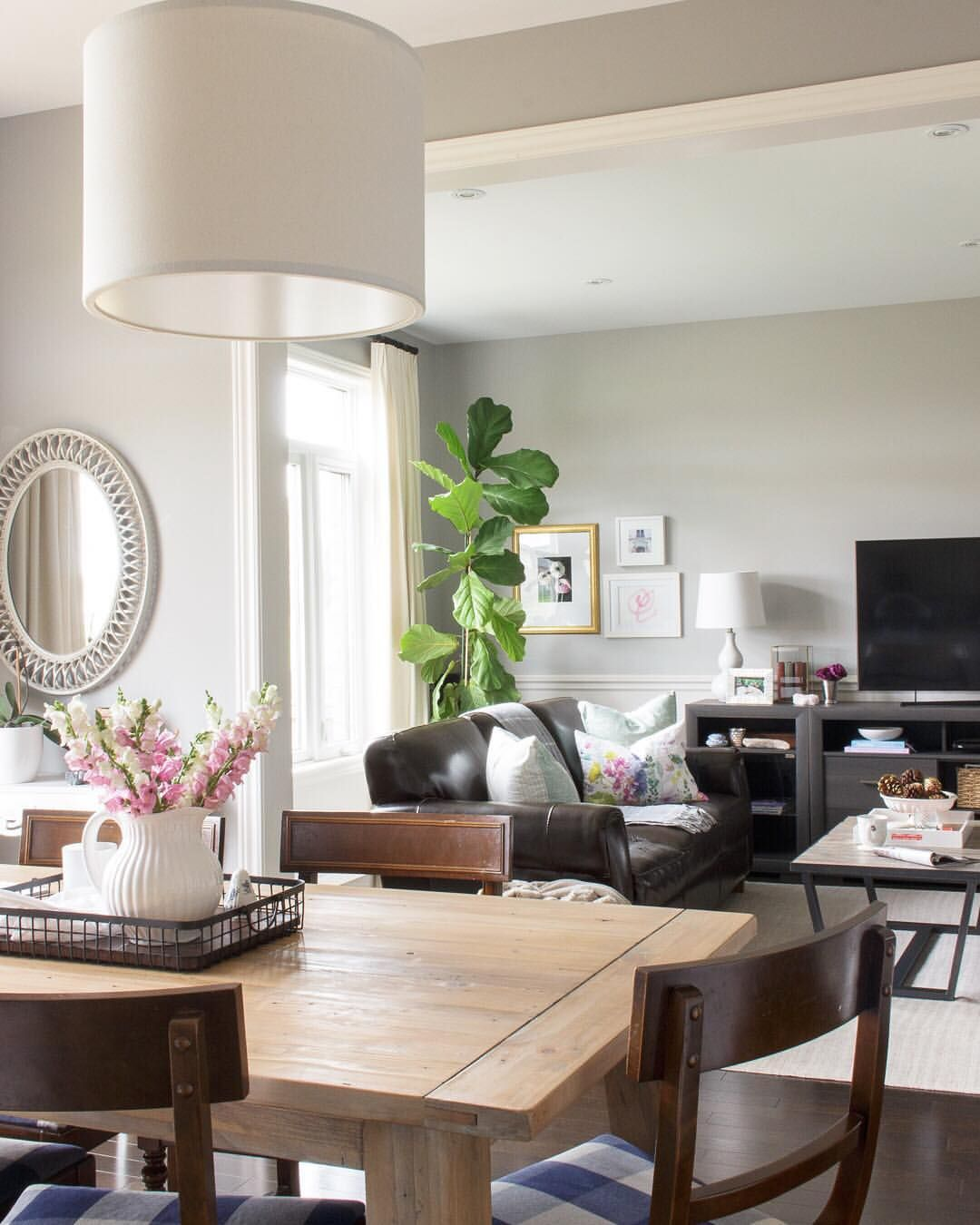 Family Room And Adjoining Kitchen