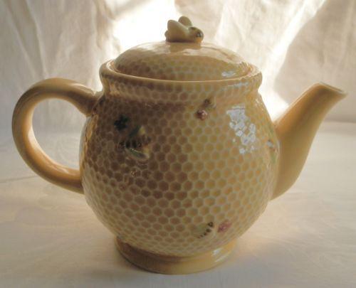 Teapot Williams Sonoma RARE Honey Bee