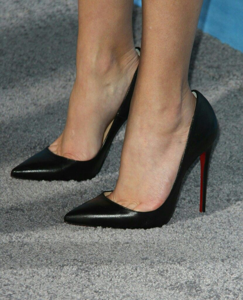 7d7fdfd8b9a Reese Witherspoon: black pumps and toe cleavage | Heels in 2019 ...