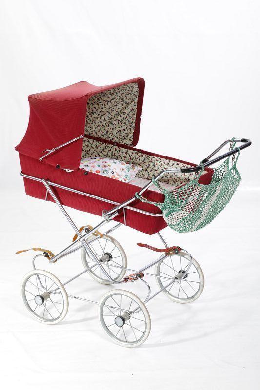 ancien rda poussette de poup e ann es 60 70 top d co jouet. Black Bedroom Furniture Sets. Home Design Ideas