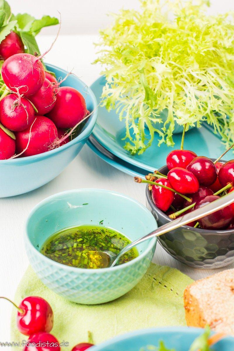 Bunter Sommersalat mit saftigen Kirschen von den [Foodistas] - http://foodistas.de/