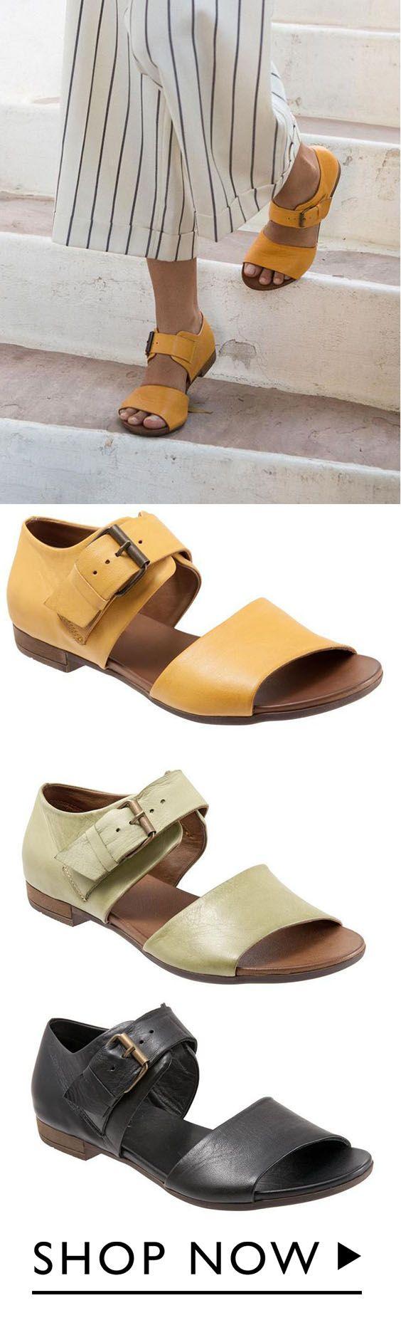 Size Leisure Flat Sandals