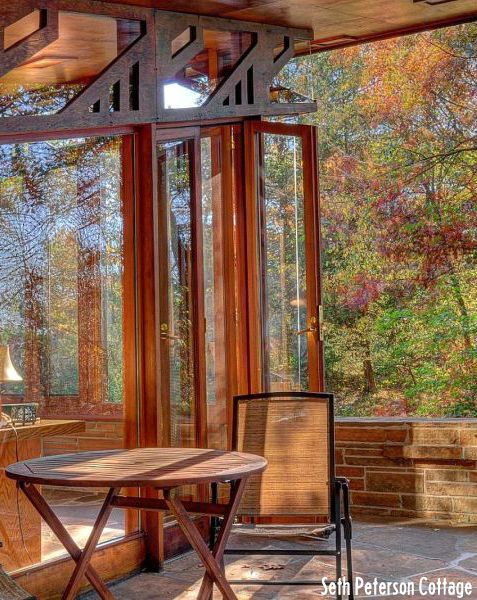 5 Wisconsin Cabins Perfect For Autumn Frank Lloyd Wright Frank Lloyd Wright Architecture Frank Lloyd Wright Homes