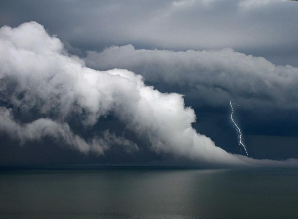 Storm moving across Lake Erie, just east of downtown