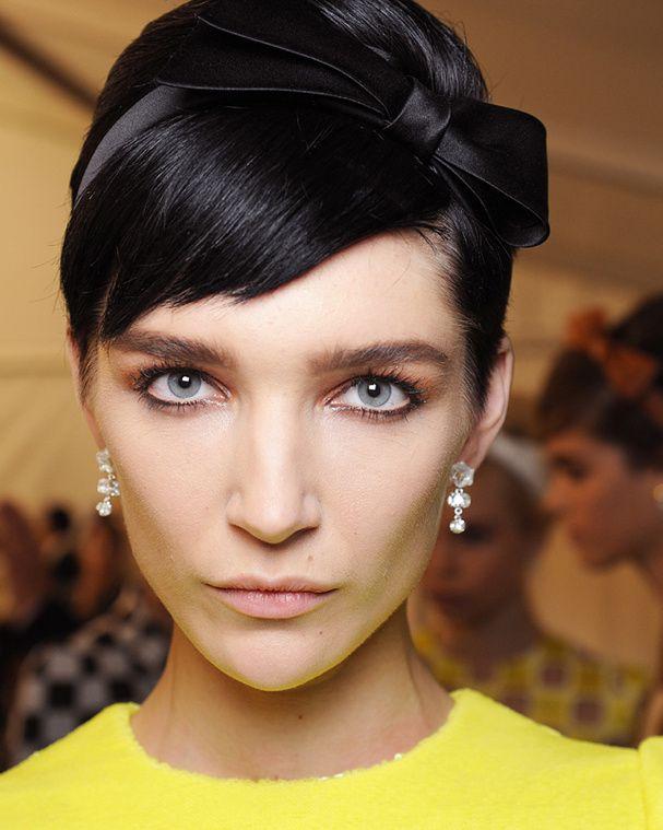 Comment porter la frange en 2013? Cheveux de printemps