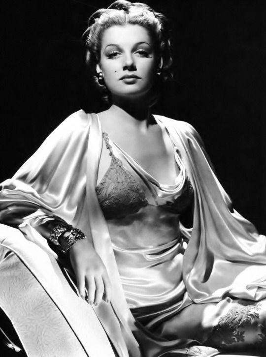 Ann Sheridan by George Hurrell, 1939.