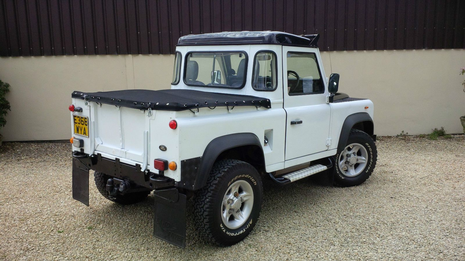 1988 land rover defender 90 300tdi white defender 90 land rover defender and land rovers. Black Bedroom Furniture Sets. Home Design Ideas