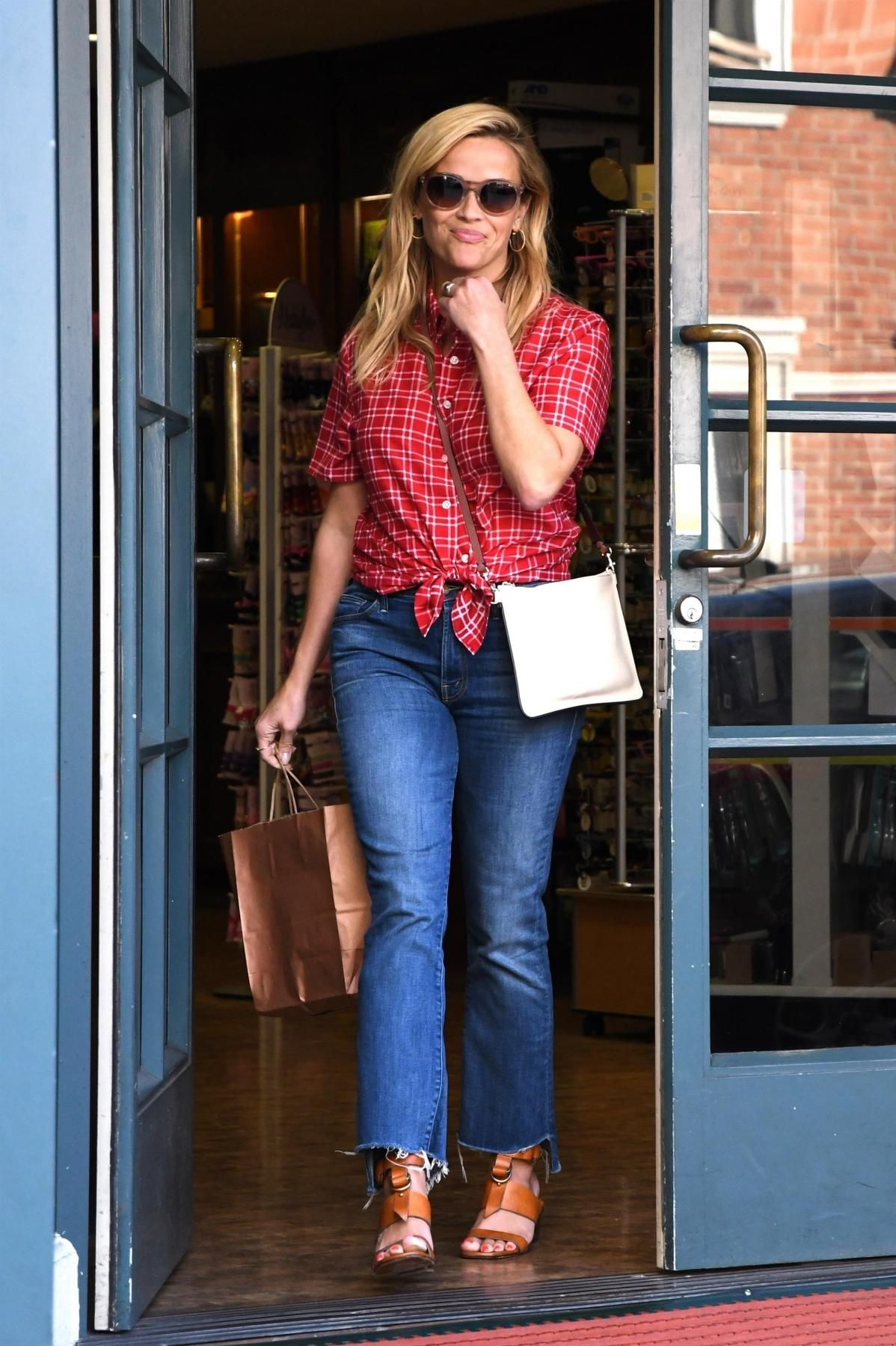 Reese Witherspoons Cute Casual Mom Style forecasting