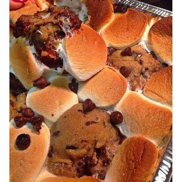 @saaamz: Homemade S'mores Cookie Dip