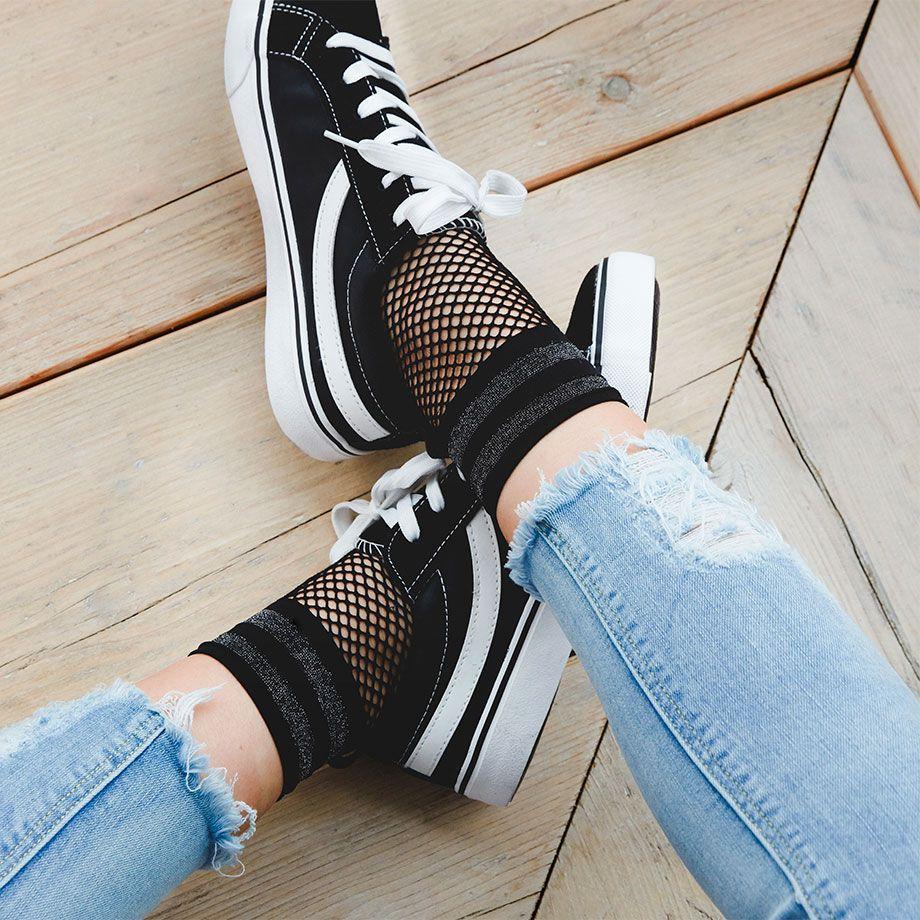 1dea8919081 Moda O I 2017 de Primark  calcetines y medias de rejilla. Zapatos de ...