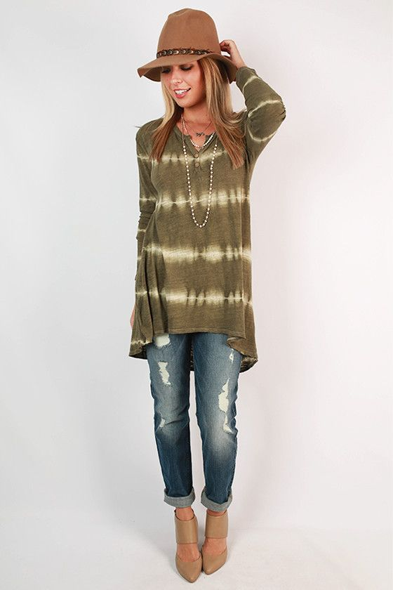 Wining, dining, and tie dye? Count us in! This tunic is perfect to add over a finishing slip or with dark jeans and heels for a comfortable look that's a little more dressed up!