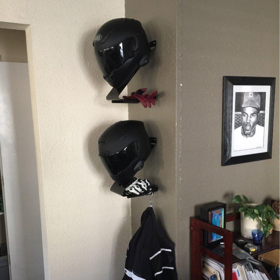 wall mount helmet holder casque moto et astuces. Black Bedroom Furniture Sets. Home Design Ideas