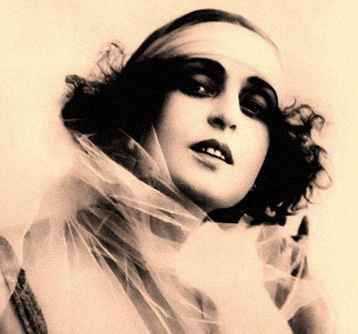 French silent film star Musidora. I love makeup from this era! She would look right at home on the runway at a Gucci show.