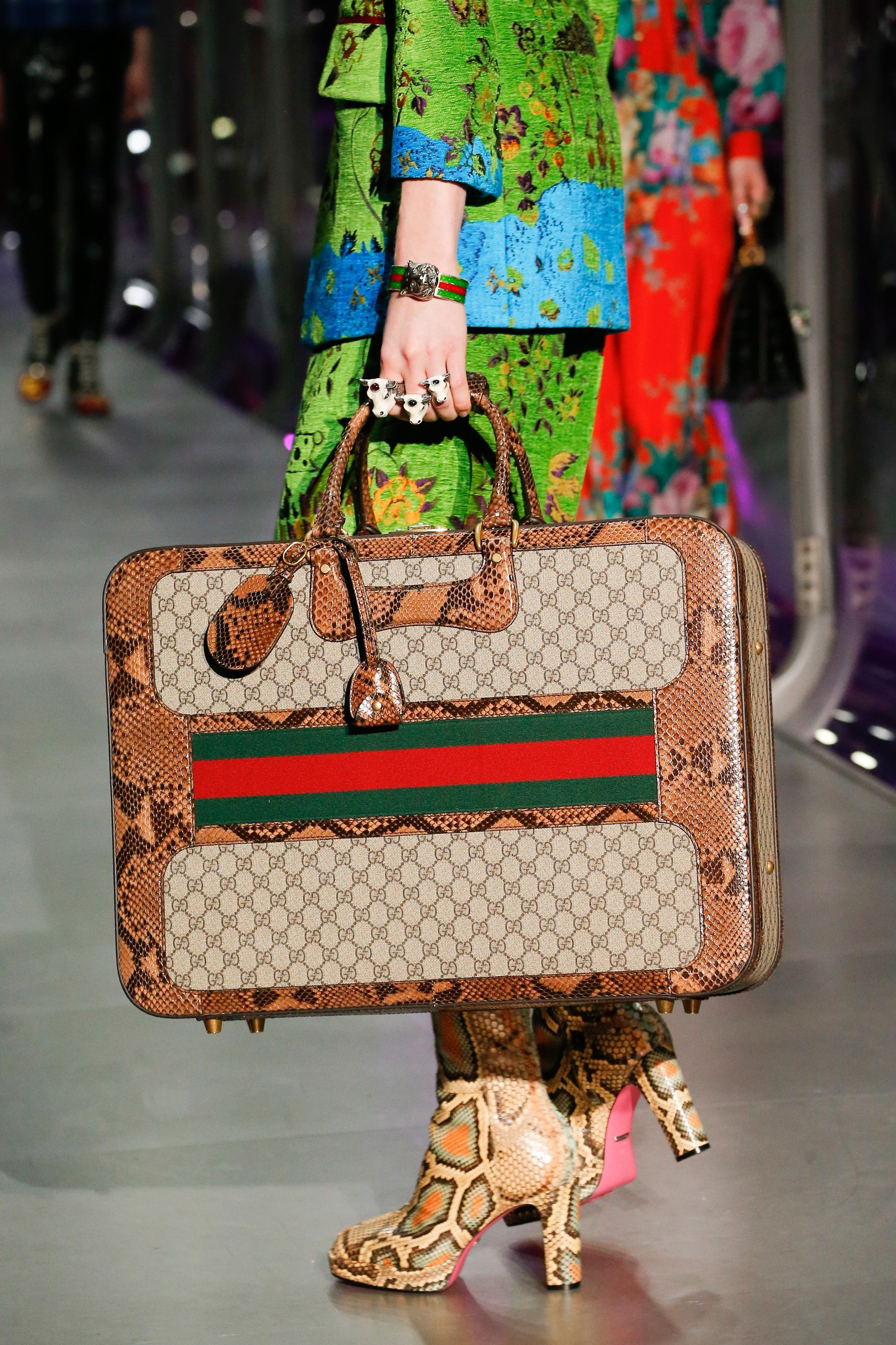 31fb448ba0b9 Gucci Autumn Winter 2017 Ready to Wear Details