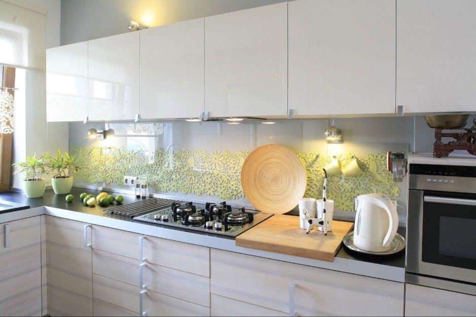 Zamiast Plytek Nad Kuchennym Blatem Znalazl Sie Filc Schowany Za Szklem Efekt Gwarantowany Fot Bartosz Jarosz Kitchen Kitchen Cabinets Home Decor