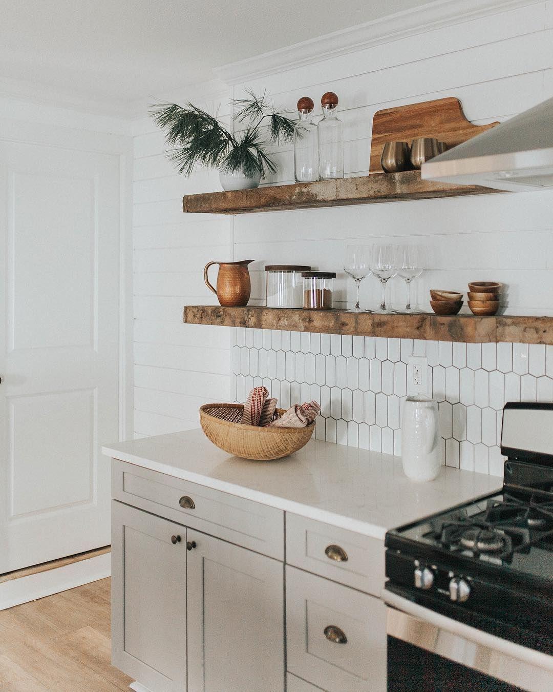Kitchen Decor Teal White Kitchen Decor Pineapple Kitchen Decor Beach Kitchen Decor Ideas For Kit In 2020 Kitchen Interior Kitchen Inspirations White Kitchen Decor