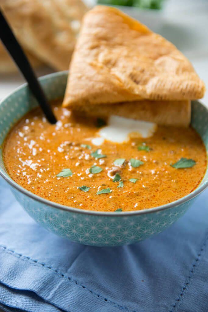 Ajvar Suppe mit Hackfleisch - ideal zur Zubereitung im Slowcooker #meatrecipes