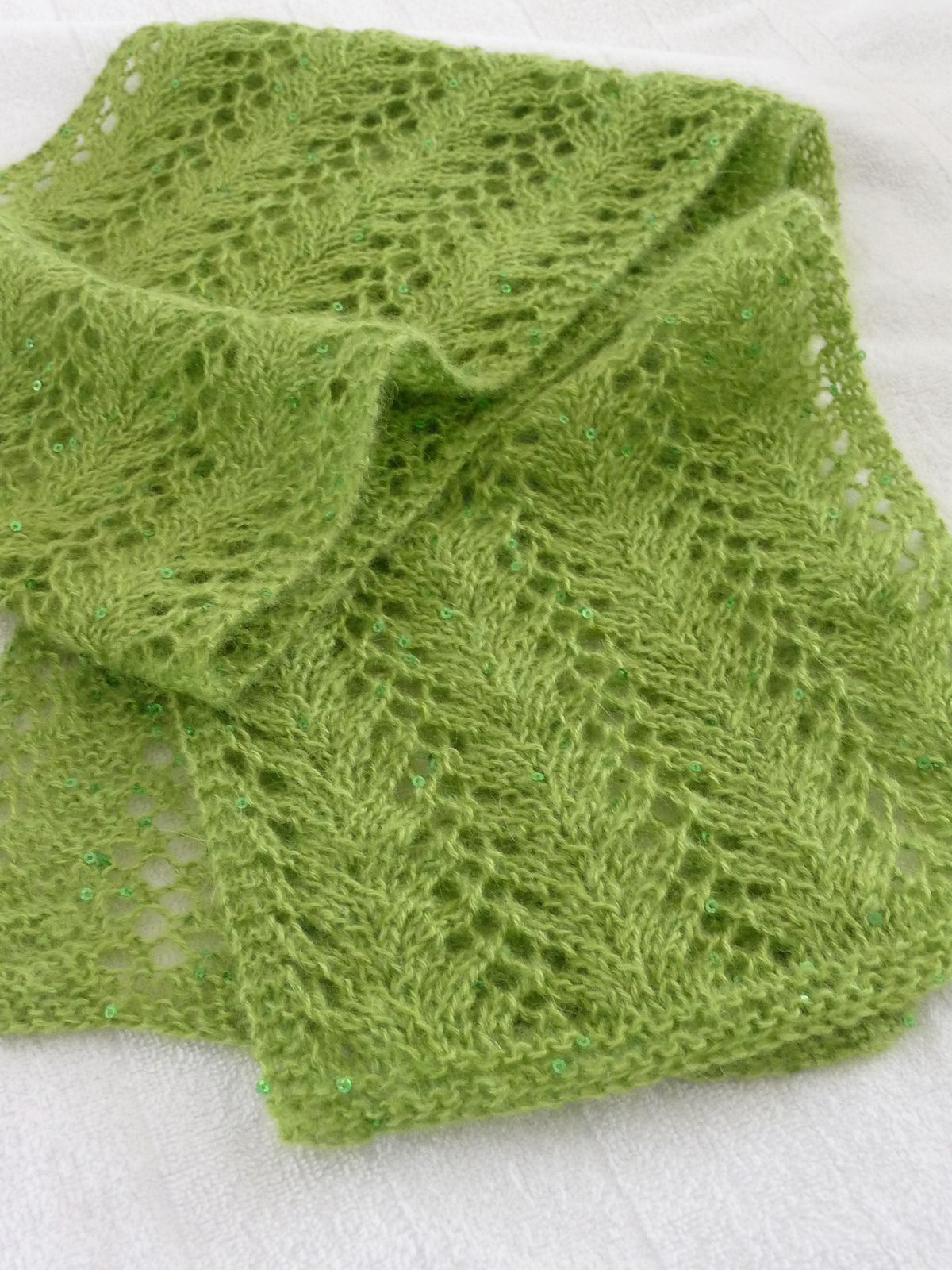 Ravelry project gallery for strangling vine lace scarf pattern by ravelry project gallery for strangling vine lace scarf pattern by nicole hindes bankloansurffo Choice Image