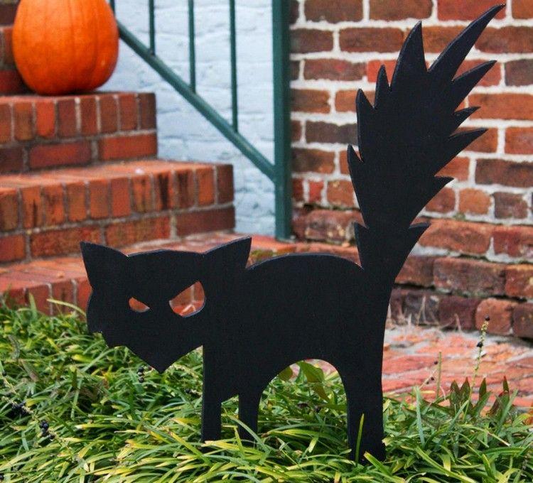 Halloween Deko im Garten - Basteln mit Kindern   Halloween ...