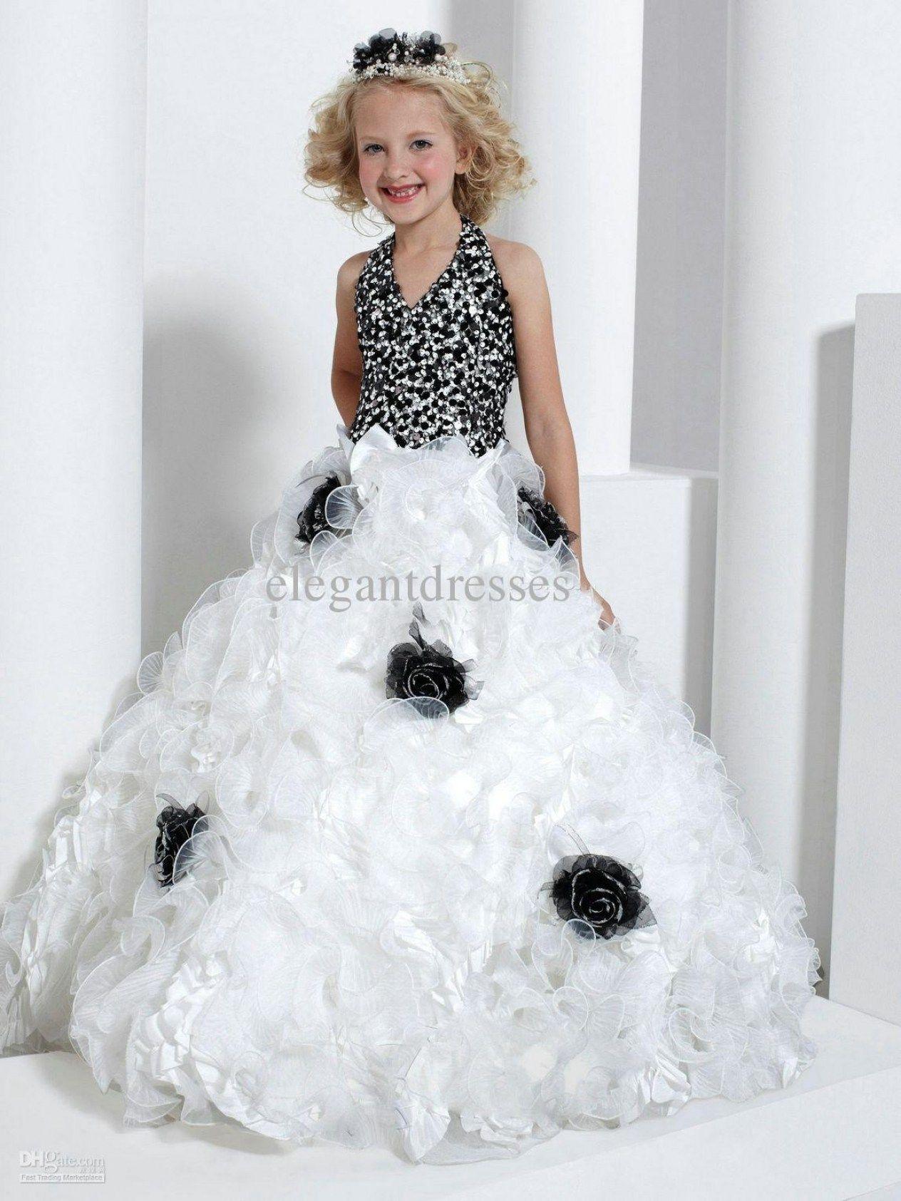 30 Beautiful White Wedding Dress With Black Flowers Pinterest