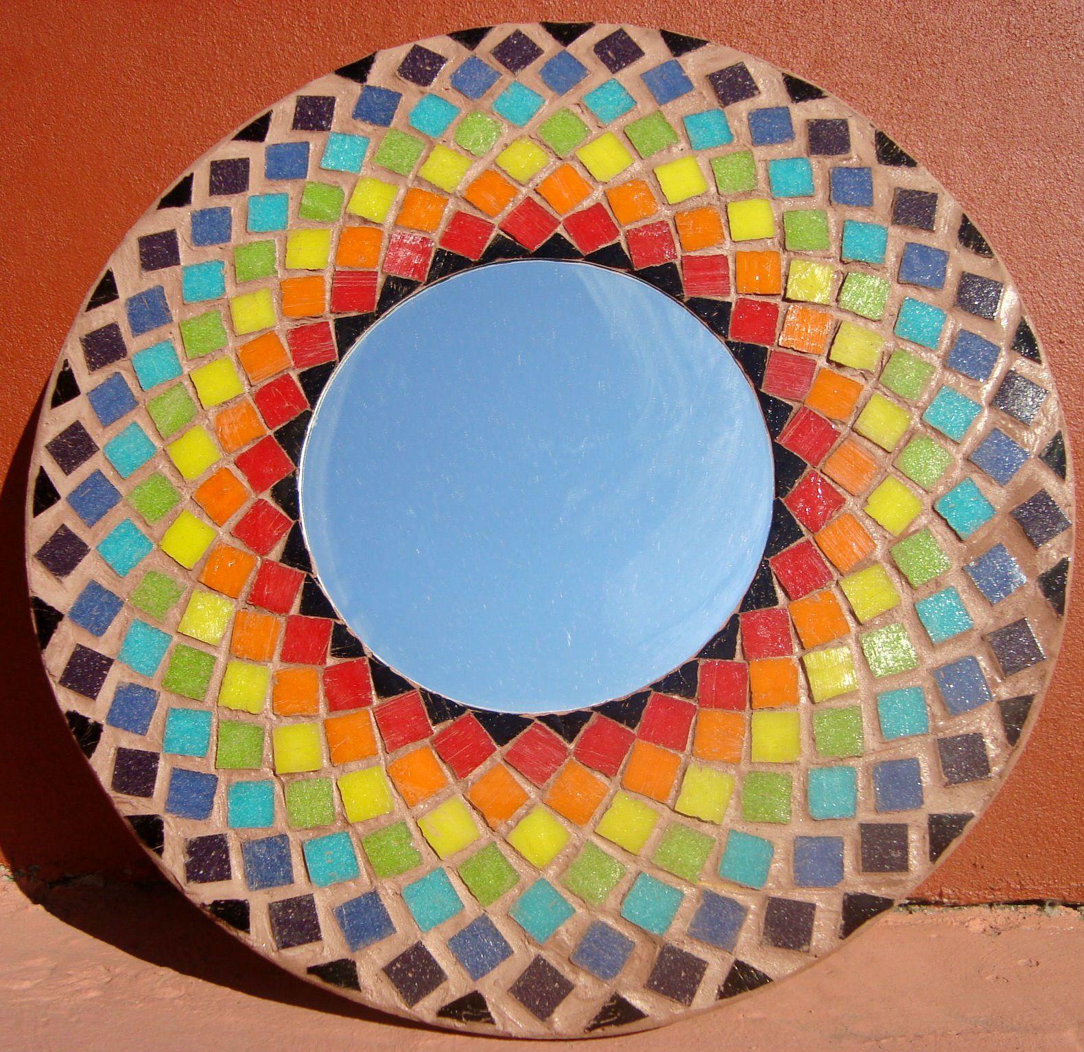 Mosaiquismo espejo realizado con venecitas de colores latinos mosaico artistico mosaic - Mosaico de colores ...