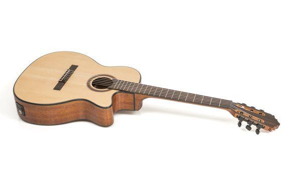 Harley Benton Santos Series C-40SCE Test Klassische Gitarre