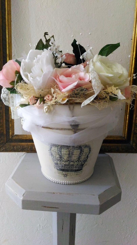Pot shabby chic d coration florale rose et blanche accessoires de maison par les intemporels - Decoration florale maison ...