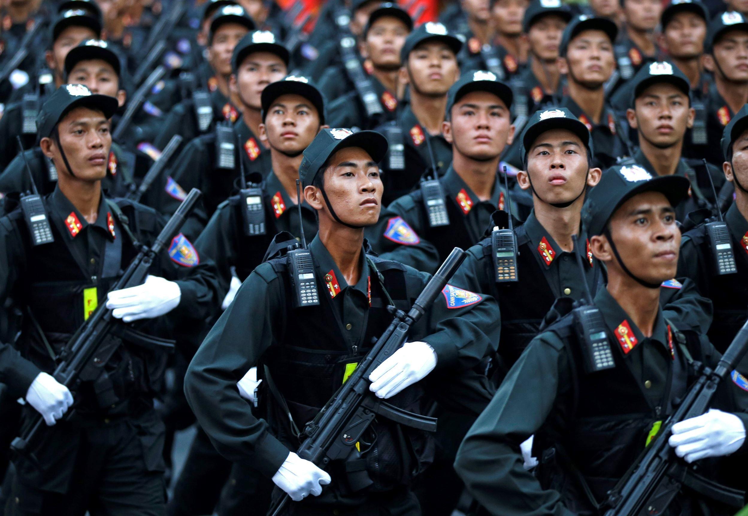 Photos: Vietnam marks 40 years since fall of Saigon