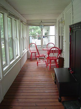 Enclosed front porch enclosed front porches front for Small enclosed deck ideas