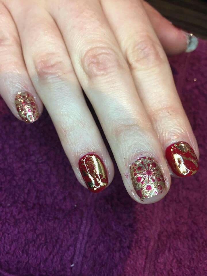 Christmas Nails Red Shellac With Gold Foil Gold And Glitter Shellac With Red Stamp Overlay Cndshellac Shellac Nailfoil Nails Foil Nails Christmas Nails