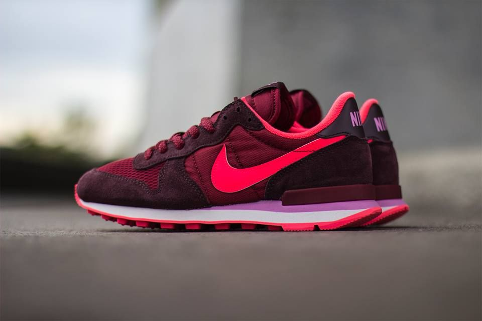 nike wmns internationalist rouge