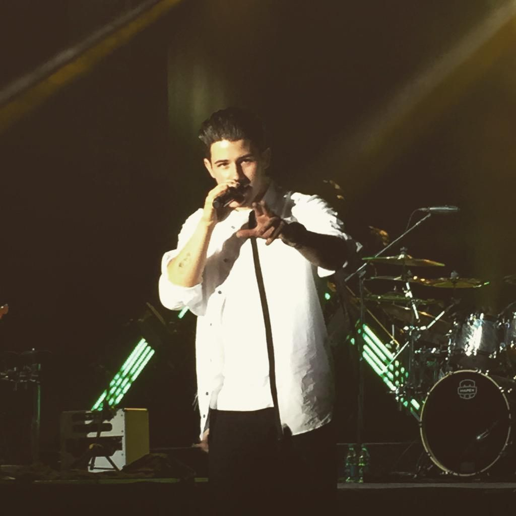 Nick jonas performs at bowling green state university on