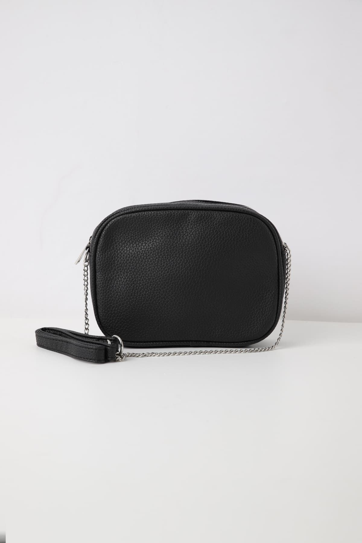 5ceeda8fa8 borsa tracolla catena Nero online in borse COMPRA PER PRODOTTO - Terranova
